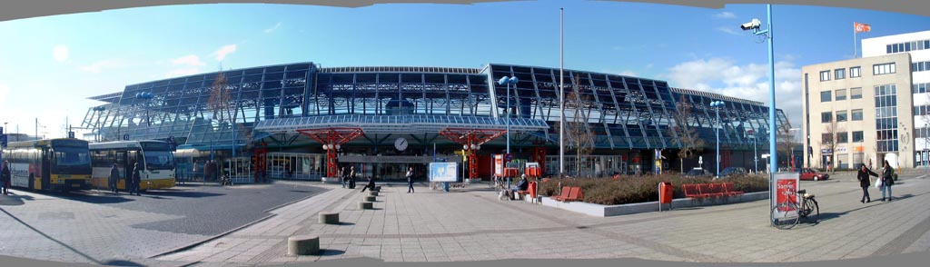 Afbeelding: Station Lelystad, centraal panorama.